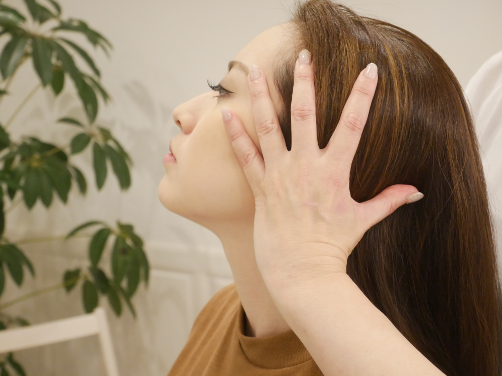 大阪の小顔矯正は顔小顔矯正スクール